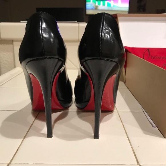 9e4c1512f7b9 Christian louboutin heels. Simple pump size 40. M 5c6381e2e944bab1c8054a5a